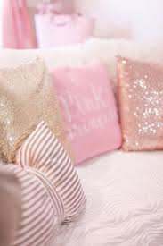 Best 25+ Pink pillows ideas on Pinterest   Bedroom cushions, Grey ...