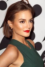 leighton nice color bination with bright red lips and forest green dress