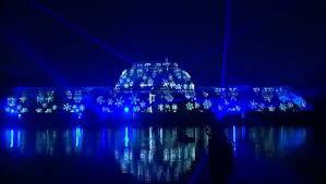 London's Kew Gardens sparkles for festive season - video dailymotion