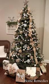 DIY Cotton Ball Pom Pom Garland. Xmas TreesDiy ...