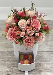 Blooming Design And Events Miami Mothers Day Special Fresh Flowers And Macaroons Box Combo