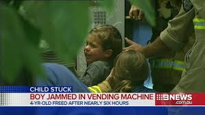 Child In Vending Machine Simple This Kid Is Probably Going To Avoid Vending Machines From Now On