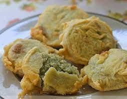 Kue goreng yang terbuat dari kacang hijau yang kemudian digoreng dengan tepung seperti ini sangat enak untuk camilan, karena rasanya yang manis dengan rasa. Peluang Bisnis Kue Gandasturi Kacang Hijau Dan Analisa Usahanya Toko Mesin Maksindo