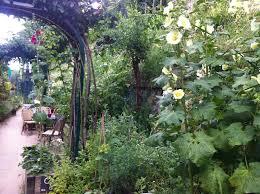 community gardening. Community Gardens In Paris: Fresh, Seasonal Fruits And Vegetables Neighborhood Parties Gardening