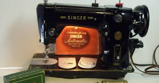 Singer Sewing Machine 306k