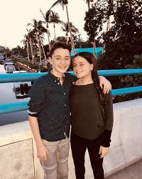 Noah Schnapp With His Twin Sister Chloe Stranger Things In 40 Impressive Uff I Have No Sister I Need A Sister