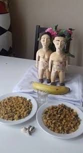 Ces deux statuettes magiques , représentant une femme et un homme sont spécialement conçuent avec le tronc de l'arbre IROKO,qui est d'ailleur un arbre fétiche très puissant et reconnue par les maitres de l'univers et des formules très anciennes pour ramener vers vous ou pour retenir toutes personne qui vous est chère.  Exemple: votre femme,mari,copain(e),partenaire,conjoint(e), et toute personne que vous désirez de tout votre coeur.Une fois que cette personne sera avec vous,vous n'allez plus perdre cette personne et plus rien ne pourra vous séparer sauf que vous même ,vous auriez décidé de la séparation. Il suffira d'invoquer son nom ,prénom et sa date de naissance y compris son signe astrologique et vos souhait afin de lui jeter un sort lors des rituels en prononçant des paroles perdue et formule magique d'amour tout en l'attachant avec une corde magique pour lier les deux statuettes. Âprès vous le jetterez dans la mer; Les deux tètes réunies.Plus rien ne pourra vous diviser et votre union sera comme vous l'auriez souhaité depuis toujours.