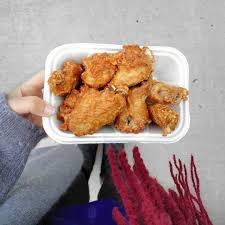 Today my costco didn't have fresh chicken wings, are fresh chicken wings something that comes in and out of stock? Finally Tried The Costco Food Court Chicken Wings It Was Actually Super Delicious Didn T Have Much Seasoning On It But That S Okay B Costco Meals Foodie Food