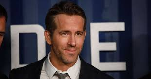 Deadpool star ryan reynolds and it's always sunny in philadelphia actor rob mcelhenney are in talks to buy welsh soccer club wrexham a.f.c. 7hq51 Ypdevolm