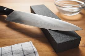 The Best Ways to Sharpen A Knife - Everything you Need to Know about Knife  Sharpening and Benefits of a Sharp Kitchen Knife - 2021 - MasterClass
