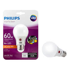 Philips Dusk To Dawn Light Bulb Philips 60 Watt Equivalent A19 Dusk To Dawn Automatic On Off