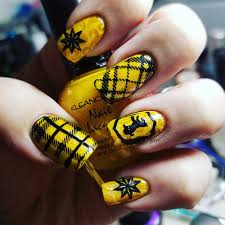Harry Potter Nail Designs Harry Potter Nails Hufflepuff Wickedmani