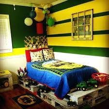 Tractor Themed Bedroom Simple Design Ideas