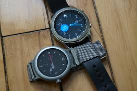 Android Watch Comparison Chart Android Wear Vs Samsung Gear Which Smartwatch Should You