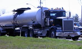 oil and gas tanker truck commercial truck insurance