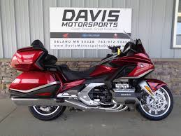 Honda's 2021 gold wing gets welcome refinements for the new year, including expanded cargo capacity, revised passenger accommodations, and upgraded audio. New 2021 Honda Gold Wing Tour Automatic Dct Motorcycles In Delano Mn N A Candy Ardent Red