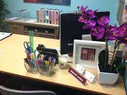 decorate your office. Decorate Office At Work For Christmas Halloween How To Your