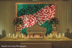 dreamy boxwood backdrop in somerset, new jersey fusion indian Wedding Backdrops Nj dreamy boxwood backdrop in somerset, new jersey fusion indian wedding by manish and sung photography wedding backdrops ideas