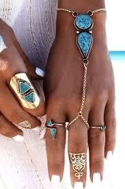 """""""<b>Слейв браслет</b> станет изюминкой многих образов благодаря ..."""