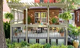 5 ways to decorate your deck with plants