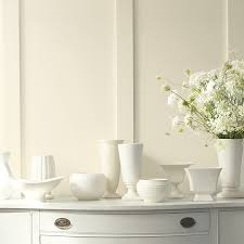 Off-White & White Paint Ideas | Benjamin Moore