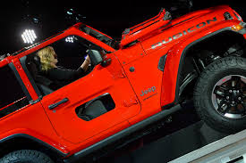 Jeep Design Checks Holy Jeep Check Out The New Jeep Wranglers Half Door Option
