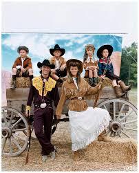 Vogue 十一月Carmen Kass Captures Ralph Laurens Spirit 的在Prairie 照片graphed By  Arthur Elgort Heidi Klum 从Keir | 照片图像图像