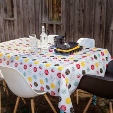 stunning table linens to