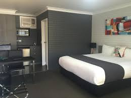 Allan Cunningham Motel Toowoomba Hotels With A Triple Room Hotelcomau