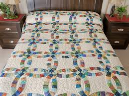 Double Wedding Ring Quilt -- marvelous meticulously made Amish ... & Pastel Double Wedding Ring Quilt Queen Size Photo 1 ... Adamdwight.com