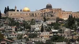 القدس: مواجهات بين مصلين وقوات الأمن الإسرائيلية بعد الفجر في المسجد الأقصى