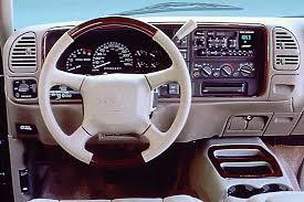 1999 00 cadillac escalade consumer guide auto 1999 cadillac escalade interior