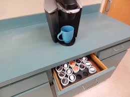 Measures 16 wide by 19 long is 2 high and holds 63 pods in a total of 7 rows. Coffee Pod Organizer Holds 35 Fits Keurig K Cup 10 9 X 14 9 Polarwhale Com