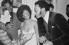 According to her publicist, the motown singer suddenly died on monday night at her home in las vegas. Idsgxesuxuwemm