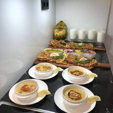 Hayırlı bereketli iftarlar herkese 🤗#iftarmenüsü #ramazan #allahkabuletsin  #oruç #etliekmek #mercimekçorbası #ayr…   Hazır yemek, Yemek tabağı sunumu,  Yemek sunumu