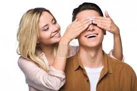 Fotka šťastný, mladá žena, pokrývající její milenci oči zezadu izolované na  bílém #205831348 | fotobanka Fotky&Foto