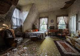 Image result for casa abandonada