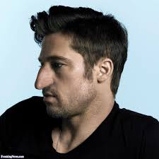 Best Hairstyle For Large Nose Good Hairstyle For Big Nose Man Easy Casual Hairstyles For Long Hair