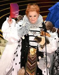 Costume Design Oscar 2019 Oscars 2019 Melissa Mccarthy Wears Dress Covered In Bunnies