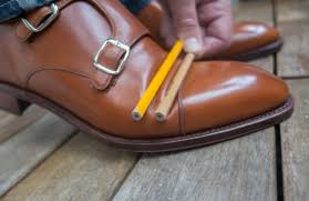 this is a technique that works best on cordovan shoes but which also can be used for normal calf leather it s about simply guiding the leather how to