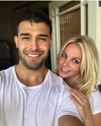 Recently britney has been showed off many romantic pictures. Britney Spears Boyfriend Sam Asghari Speaks Out Amid Conservatorship