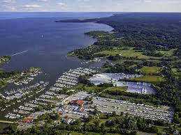 north in deale maryland the new location is an extension of the pany s full service annapolis sail loft and provides herrington harbour boat owners
