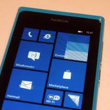 Nokia Lumia 800 and Lumia 510 - PhoneArena