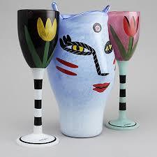 Bildresultat för ulrica vallien vaser med ansikten och tulpaner