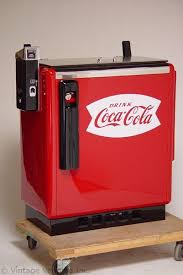 How To Load A Coke Vending Machine Delectable Cocacola Machine Put Money In Topside Lift Top Grab The Soda