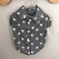 Skull And Crossbones Gray Button Up Dog Shirt Nwt