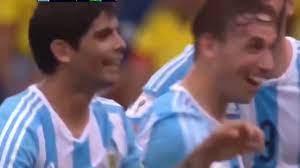 اهداف مباراة الارجنتين والبرازيل 10 1 ميسي يدمر البرازيل بهاتريك عالمي جنون  رؤوف خليف - YouTube