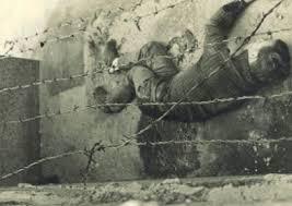 "El muro de Berlín y ""Libre"" de Nino Bravo. Images?q=tbn:ANd9GcS6J2tZBMXwDOV5lT-WAFtj40KAsPRx3hrHx1uL66g9iTHvTo9x"