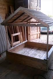 upcycled woden pallet sandbox