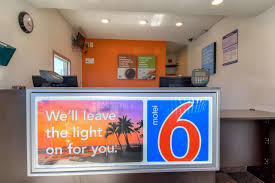 Motel Six We Ll Leave The Light On For You Motel 6 Los Angeles Long Beach Ca Booking Com